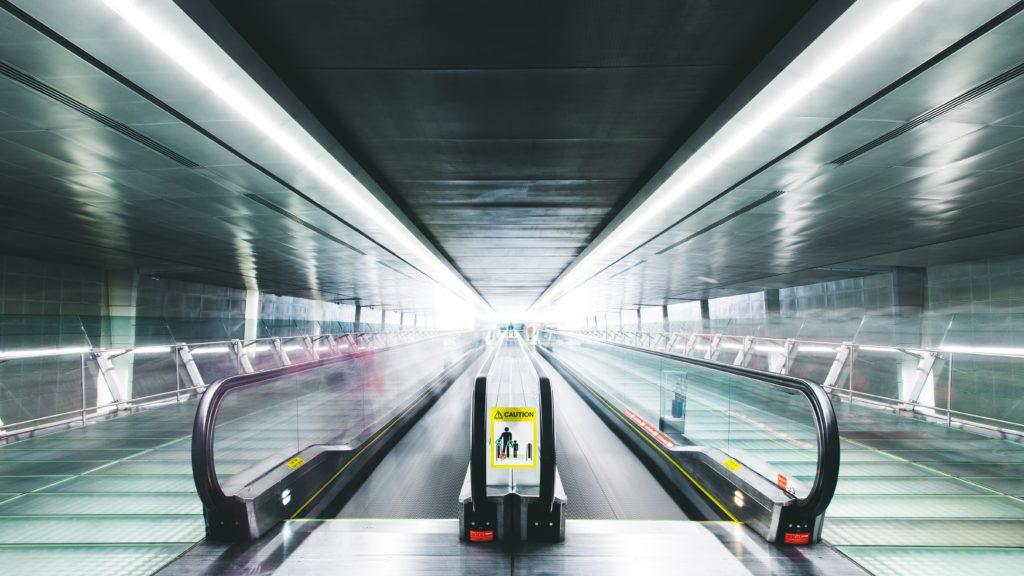 aéroport avion terminal dépense argent