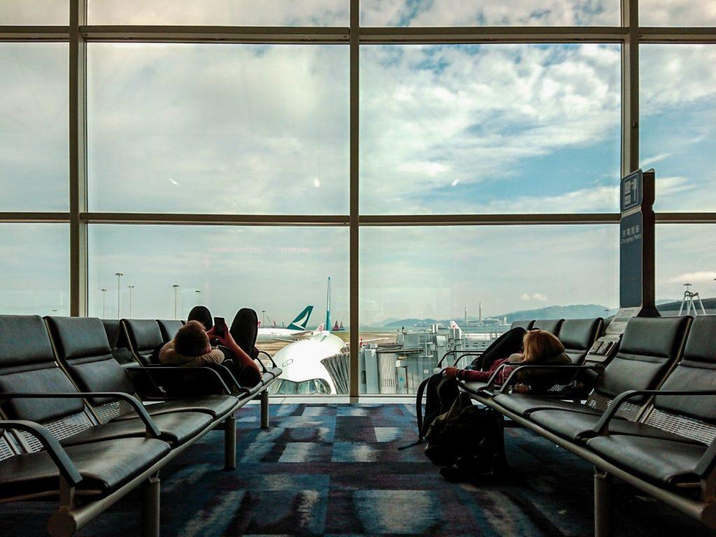 aéroport avion voyage dépense argent