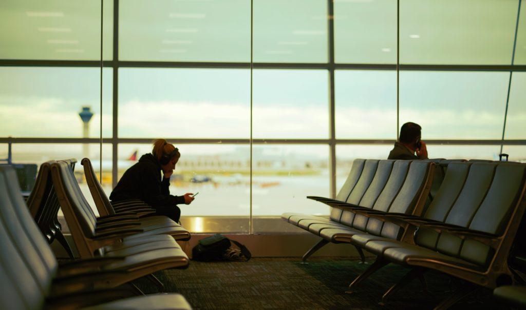 aéroport dépense argent avion voyage attente