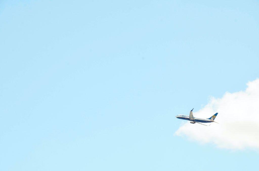 mogoonthego mogo on the go flygskam sky plane airport