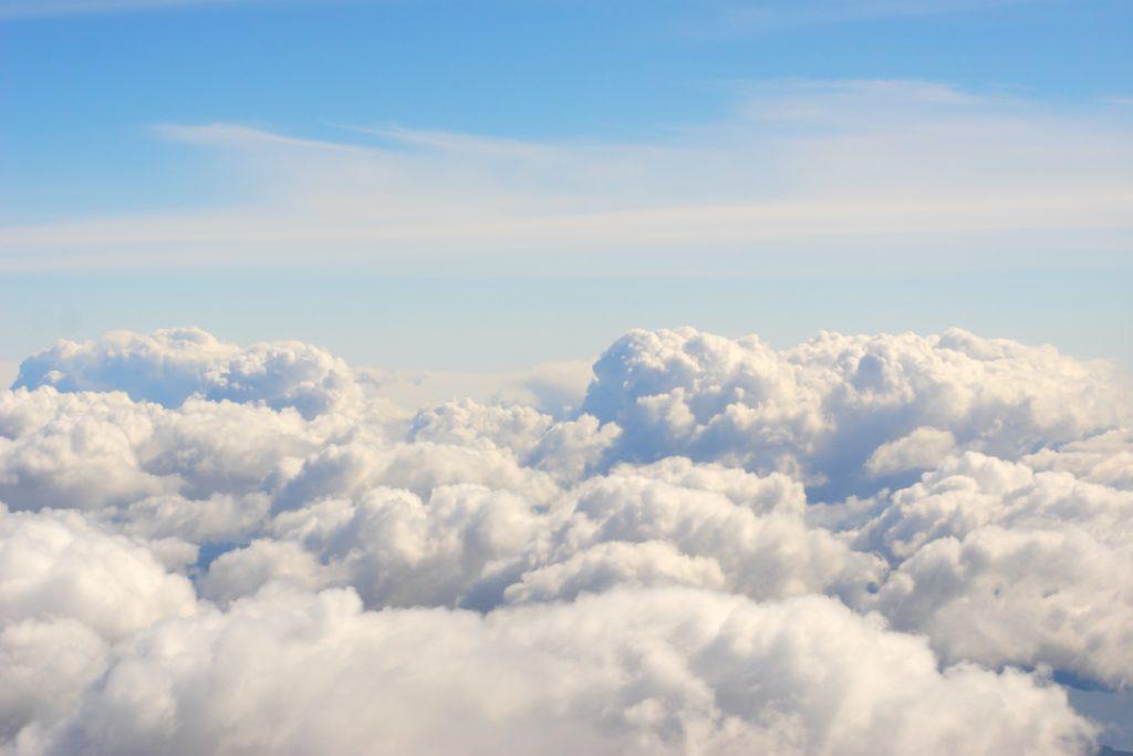 avion plane airplane mogoonthego mogo on the go nuages