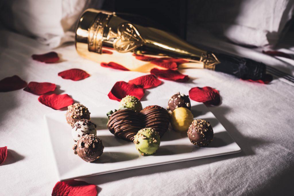 thula na p59ux9myc74 unsplash 1024x683 - Que faire à Paris pour la Saint-Valentin ?
