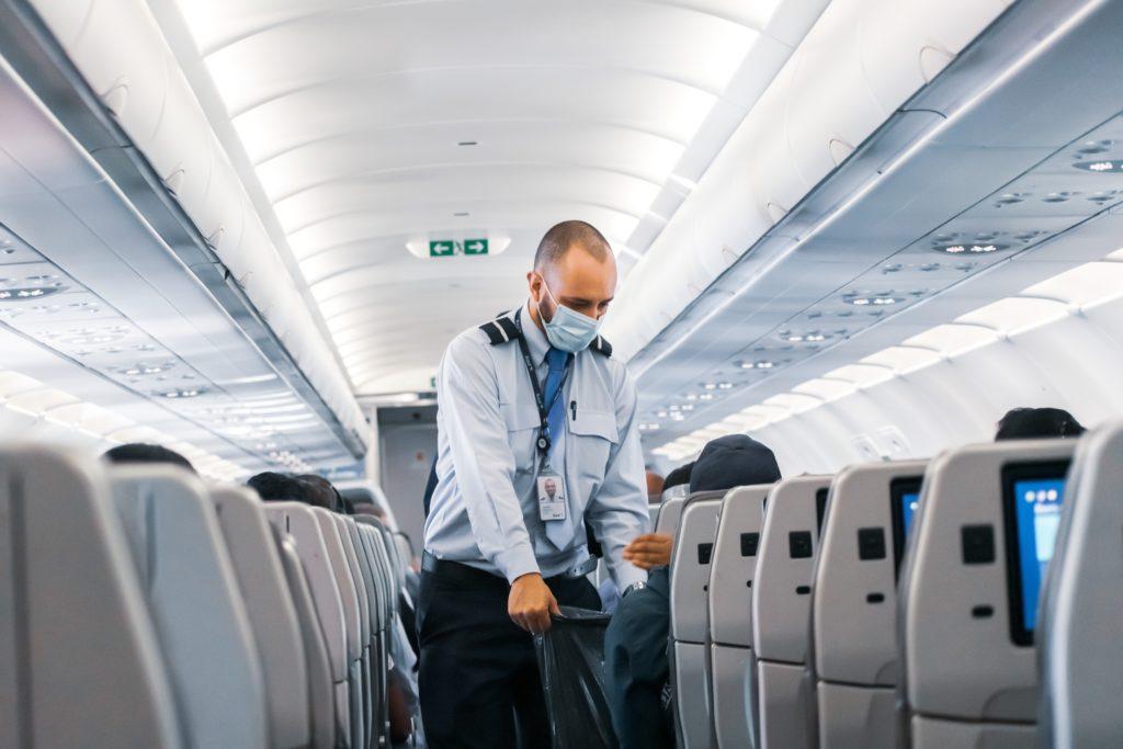 lien avec clientele client hotesse de l air steward avion