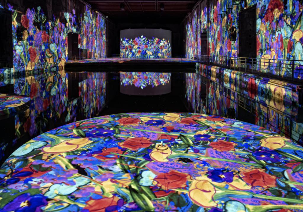 bassin des lumieres art contemporain exposition musee galerie classique moderne base sous marine