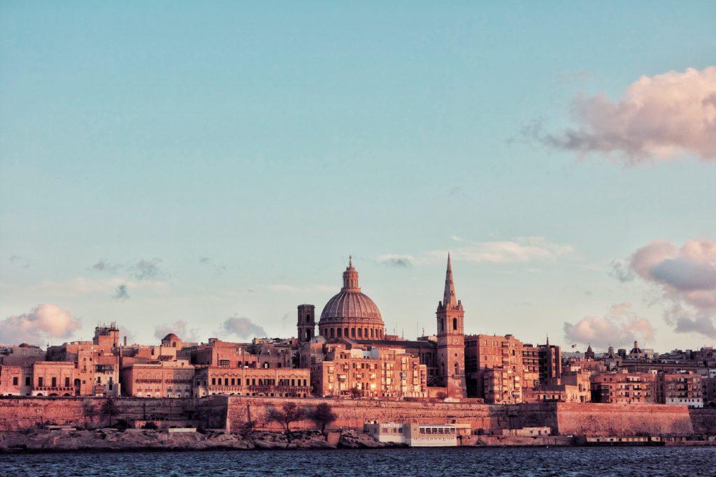 malte valletta tourisme voyage faire revenir cheque cadeaux cadeau argent depenses gratuit offert