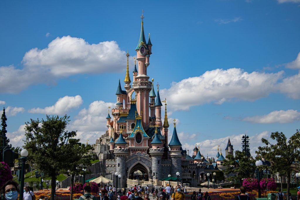 disneyland paris france parc attraction mickey summer famille